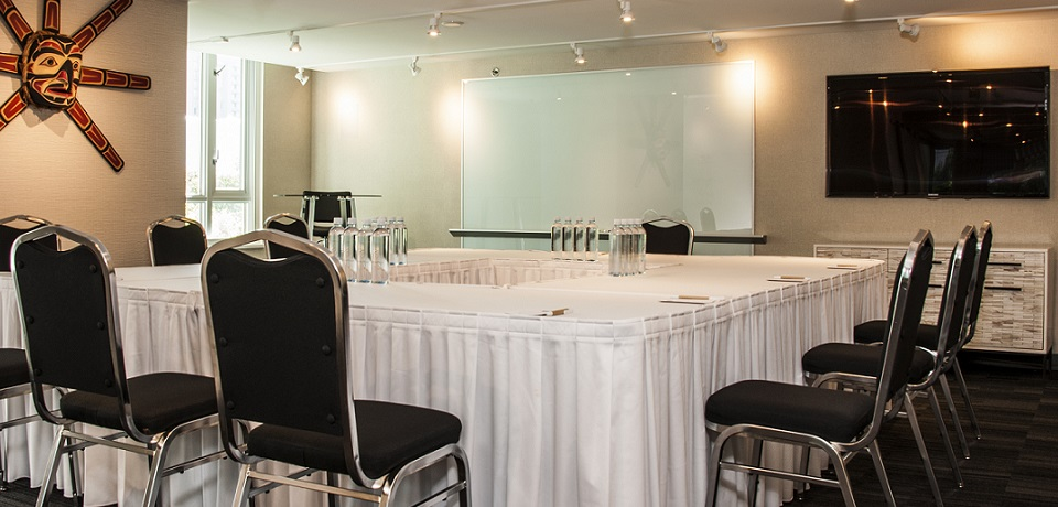 Carmana Plaza Hotel and Residences - Meeting Room (Downtown Vancouver)